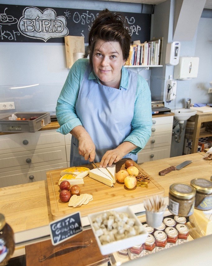 Eirny at the Icelandic Pantry - cheese workshop